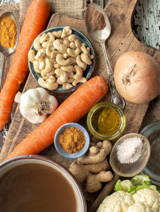 turmeric, cauliflower, ginger and cashews - foods that fight inflammation